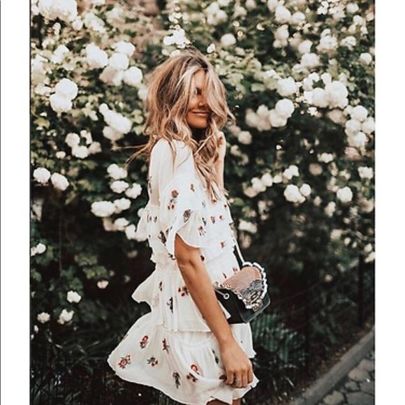 11b3ba87 Zara White Frill Embroidered Dress. M_5ad54ff0fcdc31811f55e3a2